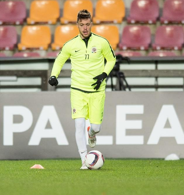 Václav Kadlec během tréninku před odvetou s Rostovem.