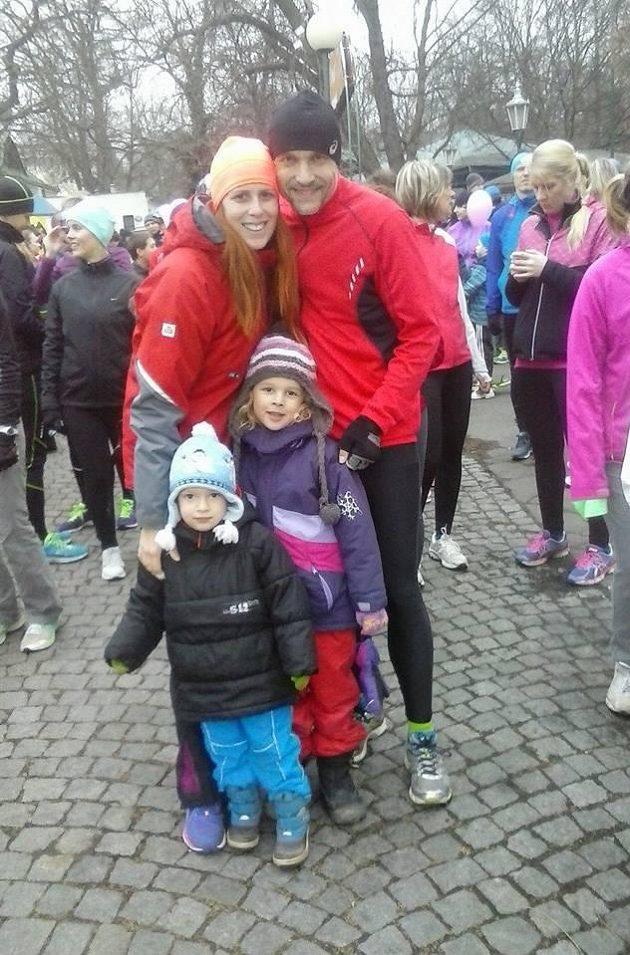 Šárka Grygarová s rodinou na Valentýnském běhu.