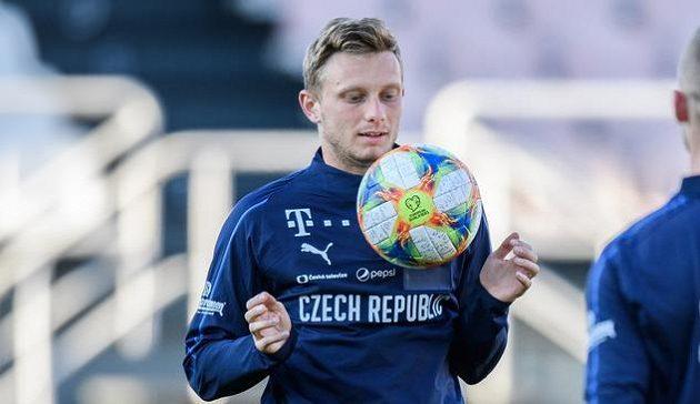 Ladislav Krejčí během tréninku fotbalové reprezentace před zápasy s Anglií a Severním Irskem.