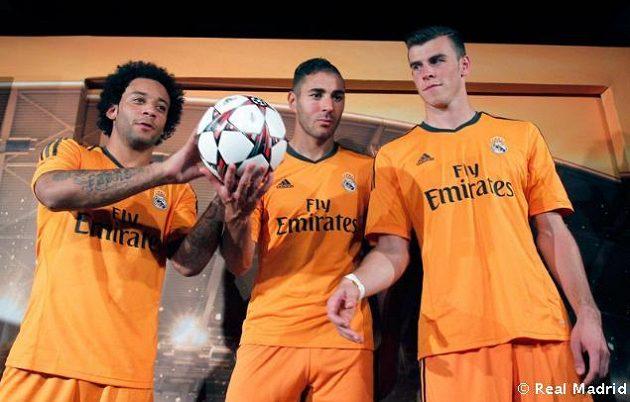 Španělský klub Realu Madrid ukázal nové dresy pro letošní ročník Ligy mistrů. Zleva Marcelo, Benzema a Bale.