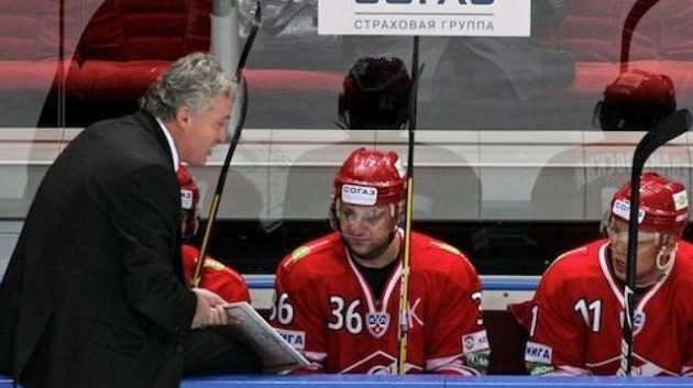 Miloš Říha na střídačce Spartaku Moskva