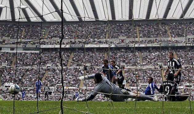 Výhra 2:0 v Newcastlu k titulu v sezóně 2007/08 nestačila, šampiónem se stal Manchester United.