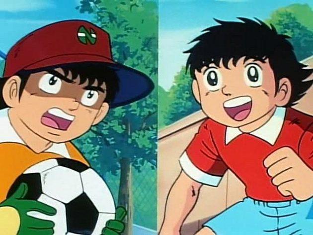 Brankář Benji (vlevo) Torrese tolik nelákal, zato kreslený Oliver (vpravo) ovlivnil jeho kariéru zcela zásadním způsobem...