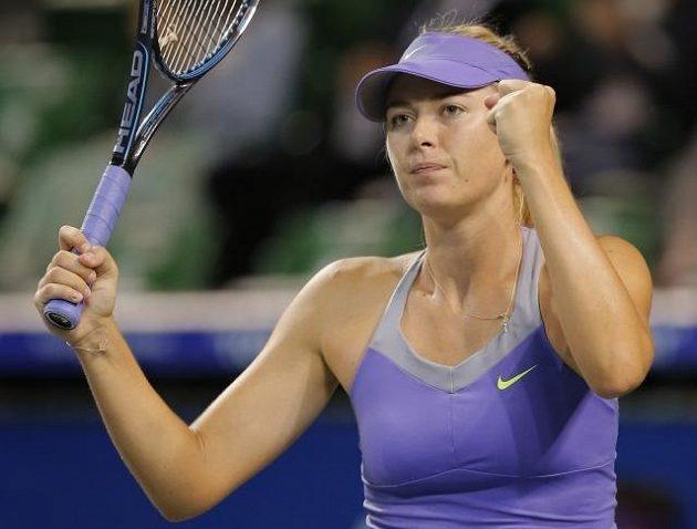 """Ruská tenistka Maria Šarapovová si """"přivydělává"""" modelingem. Tenis ale ještě nezapomněla, letos například nenašla přemožitelku na French Open."""
