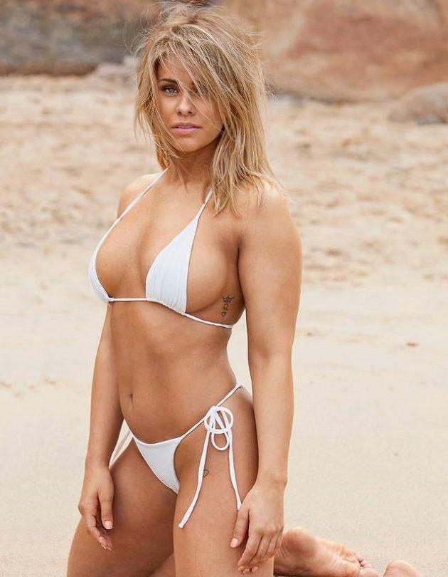 Bojovnice Paige VanZantová si odskočila na pláž.