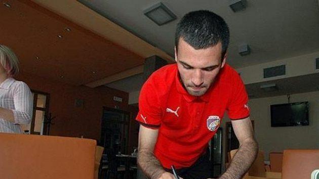 Plzeňský dres podepsala také další posila, bosenský obránce Zlatko Kazazič.