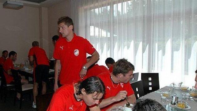 Nudlová polévka přišla plzeňským fotbalistům na začátku přípravy vhod.