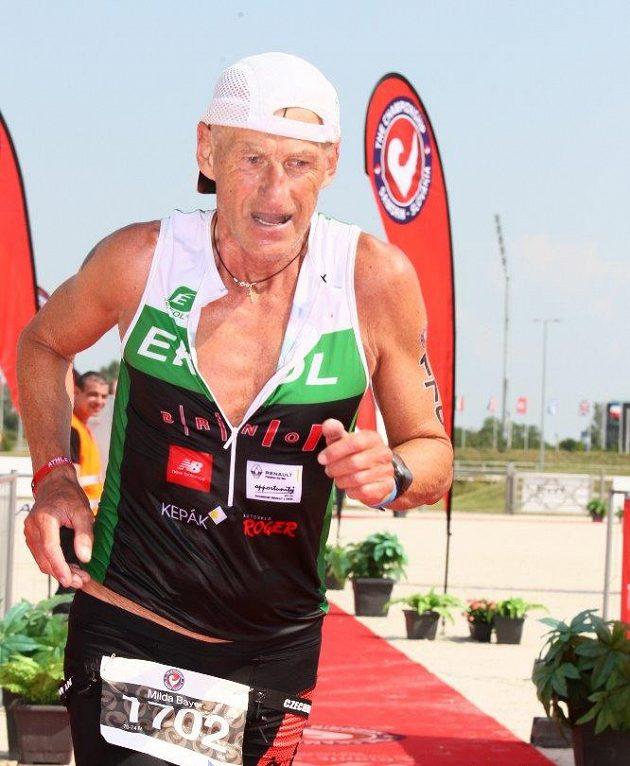 Miloslav Bayer: I ještě jako sedmdesátník zvládá maraton pod čtyři hodiny.