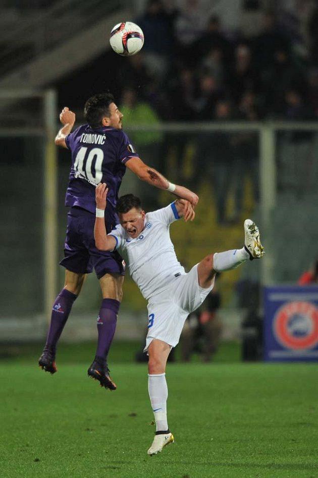 Záložník Egon Vůch při utkání Evropské ligy Fiorentina-Liberec.
