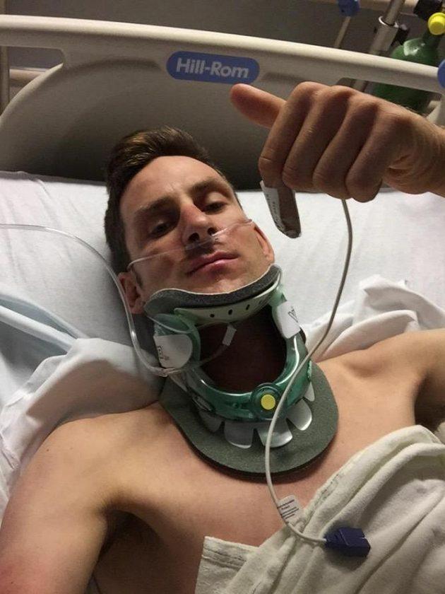 Jsem ok - Matt Brammeier po vážné havárii pozdravil fanoušky a poděkoval jim za povzbudivé vzkazy.