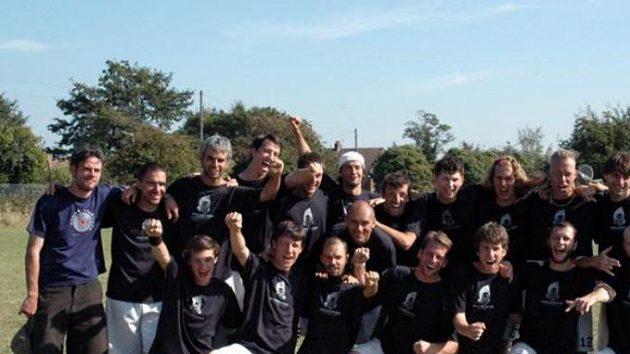 Touha hrát ultimate frisbee na úrovni nejlepších evropských týmů dala vzniknout dalšímu českému celku na WUCC, týmu Silence.