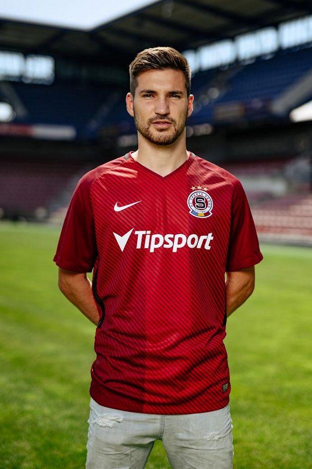 Český reprezentant Michal Trávník se stává čtvrtou letní posilou Sparty.