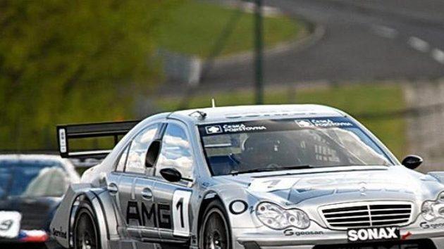Antonín Charouz s vozem Mercedes Benz DTM C-Klasse při závodu divize 4 na Hungaroringu.