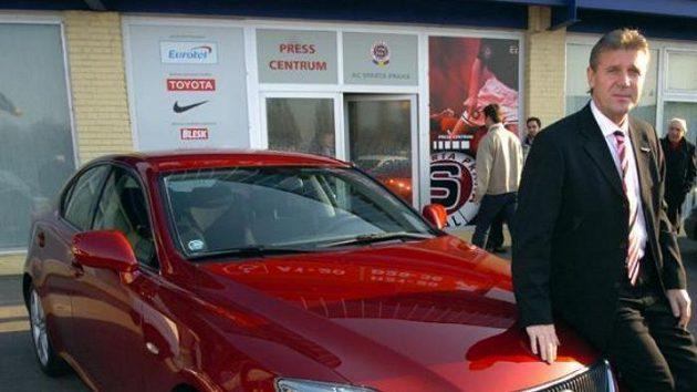 Od vedení Sparty dostal Jozef Chovanec luxusní automobil.