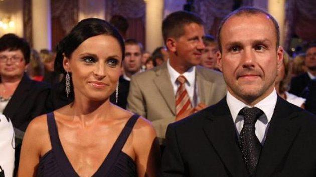 Český hokejista Martin Straka s manželkou při slavnostním galavečeru Zlatá hokejka pro nejlepšího hráče České republiky v sezóně 2008/09