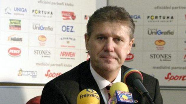Jozef Chovanec na tiskové konferenci Sparty