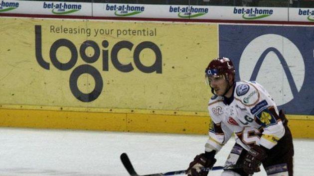 Obránce hokejové Sparty Petr Macholda