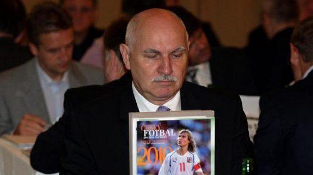 Pavel Mokrý na volební valné hromadě ČMFS