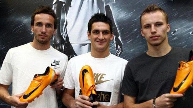 Tomáš Sivok, Martin Fenin a Michal Kadlec s kopačkami Mercurial Vapor IV