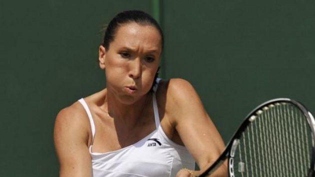 Srbská tenistka Jelena Jankovičová v zápase 3. kola na Wimbledonu