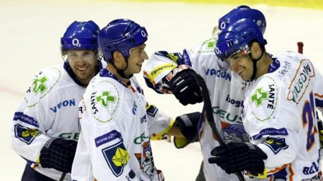 Radost kladenských hokejistů v utkání proti Brnu