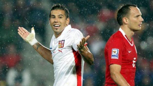 Milan Baroš (vlevo) během zápasu proti Polsku