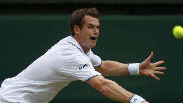 Britský tenista Andy Murray v zápase 3. kola ve Wimbledonu