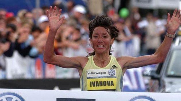 Ruská atletka Alina Ivanovová