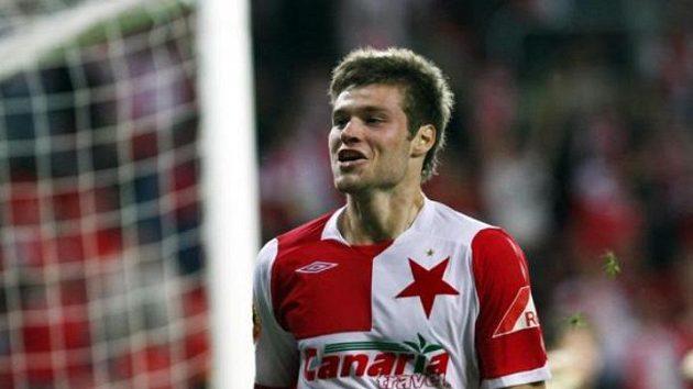 Fotbalista Slavie Čelůstka oslavuje gól v utkání proti Slovácku.