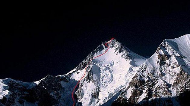 Trasa předpokládaného postupu jihozápadní stěnou Gasherbrumu I.