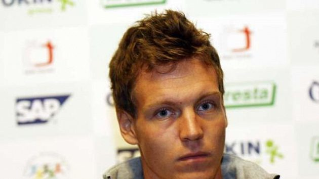 Tomáš Berdych před odletem do Španělska na finále Davisova poháru.