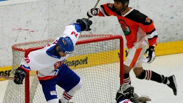 Brankář Filip Šindelář inkasuje gól ve finále MS v hokejbale proti Indii.
