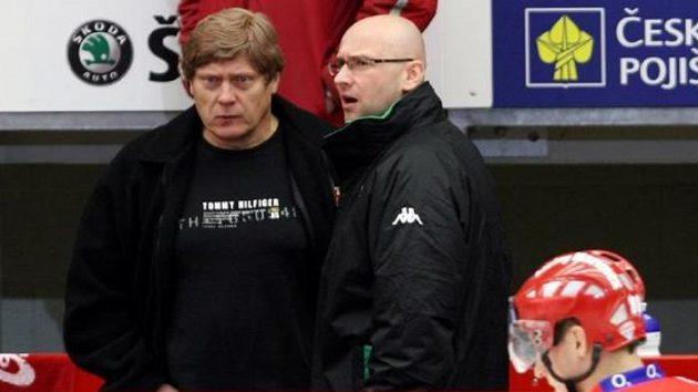 Trenéři František Výborný (vlevo) a Pavel Hynek v diskuzi