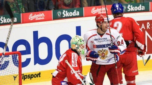 Rus Ščastlivyj oslavuje gól v síti Mensatora