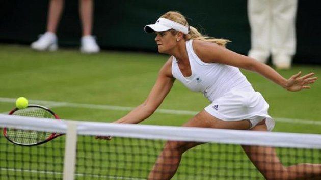 Kanadská tenistka Aleksandra Wozniak v prvním kole Wimlbedonu proti Francesce Schiavoneové
