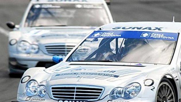 Václav Nimč s vozem Mercedes Benz DTM C-Klasse při závodu divize 4 na Hungaroringu.