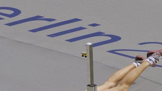 Nepovedený pokus výškařky Ivy Strakové při kvalifikaci na MS v Berlíně.