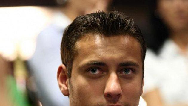 Ondřej Pavelec při charitativním pokerovém turnaji.