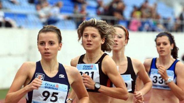 Závod na 1500 metrů na mistrovství ČR na Strahově