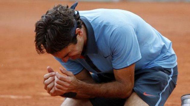 Je dobojováno! Roger Federer klesá na pařížskou antuku, první titul z Roland Garros je jeho.