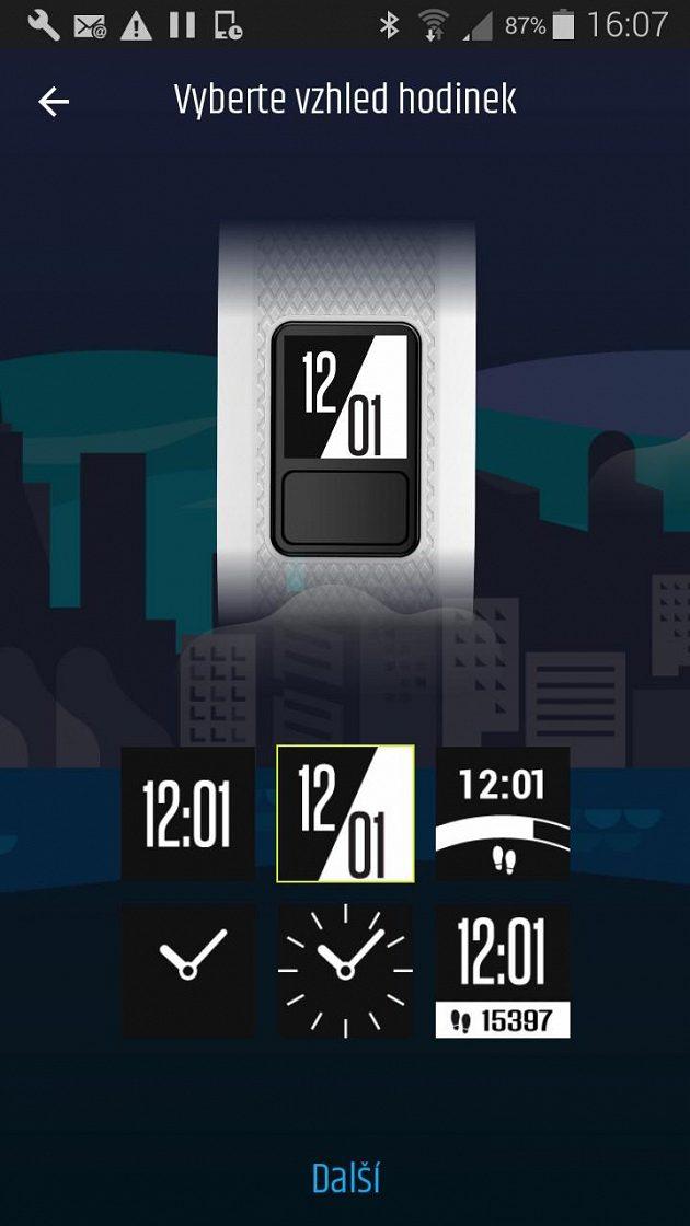 Fitness náramek Garmin vívofit3 - na výběr je šest vzhledů displeje.