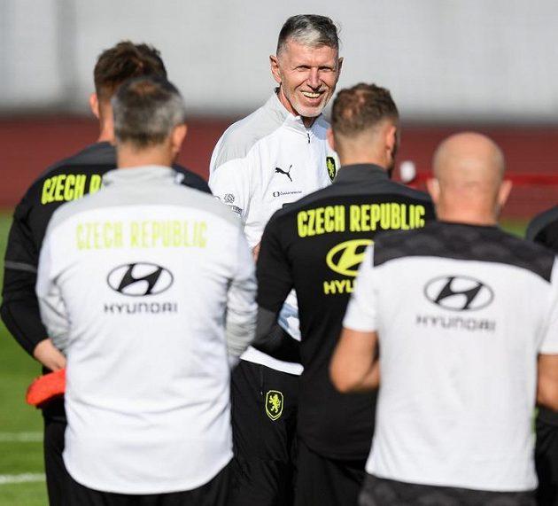 Trenér Jaroslav Šilhavý během tréninku fotbalové reprezentace před zápasy kvalifikace MS 2022.