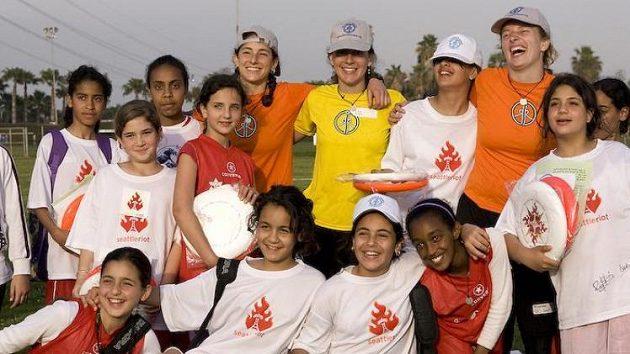 Projekt má stále více fanoušků a roste i podpora ze strany hráčů ultimate frisbee. I díky tomu se letos mohl konat první společný kemp pro děti s Izraele a Palestiny.