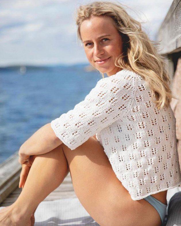 Norská biatlonistka Tiril Eckhoffová při posezónním reklamním focení.