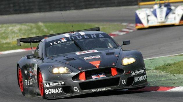 Posádka Tomáš Enge, Antonio Garcia vyhrála v závodě 1000 km Monzy s vozem Aston Martin DBR9 třídu LMGT1.