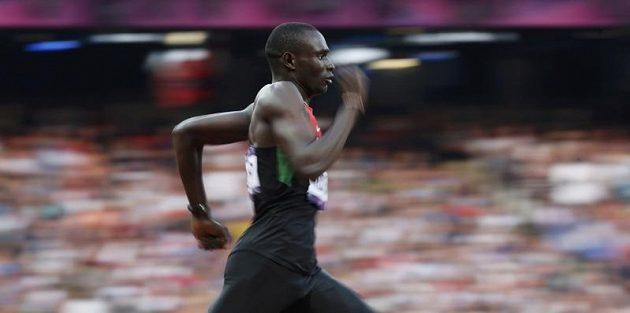 David Lekuta Rudisha běží na trati 800 metrů v Londýně, kde zaznamenal světový rekord