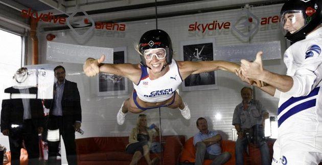 Zuzana Bergrová ve vzduchu.
