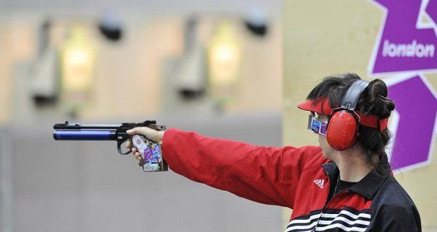 Lenka Mrušková při olympijské soutěži ve střelbě ze vzduchové pistole na 10 metrů