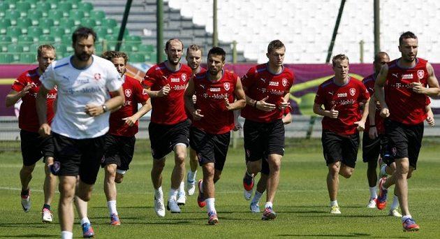 Hráči na tréninku fotbalové reprezentace v polské Vratislavi
