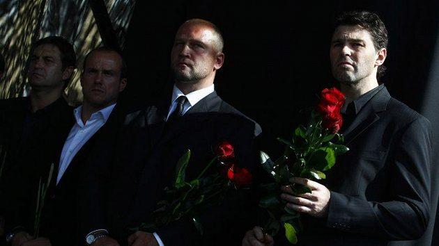 Rozloučit se na Staroměstské náměstí přišli i Jaromír Jágr, Jiří Šlégr, Petr Bříza a Martin Straka